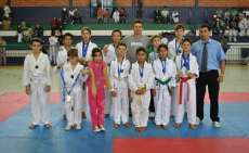 Rio Bonito - Atletas se classificam para a fase final do paranaense de Taekwondo