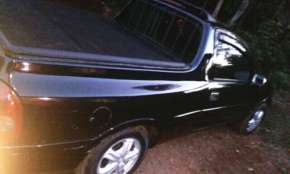 Três Barras - Vende-se Pick-up Corsa 99