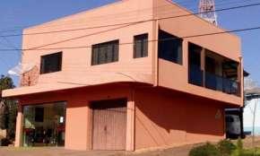 Vende-se Sobrado, apartamento e sala comercial com super localização, em Ibema