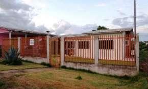 Quedas - Vende-se casa no bairro Alto Recreio