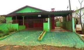 Vende-se casa em Cantagalo