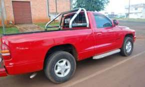 Guaraniaçu - Vende-se Caminhonete Dodge completa e impecável
