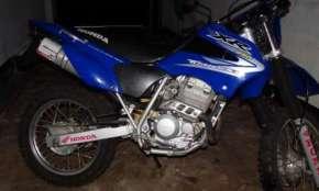 Vende-se motocicleta Honda XR 250 Tornado