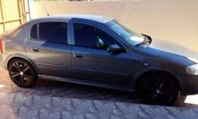 Vende-se Astra 2010. Único dono