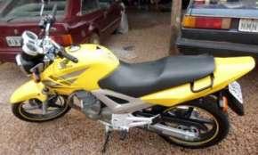 Vende-se CBX 250 2007