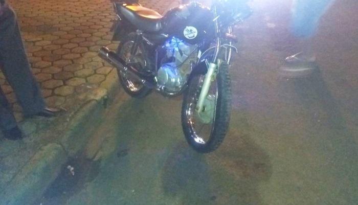 Laranjeiras - Acidente entre moto e carro é registrado no centro
