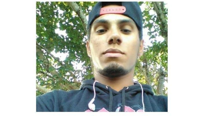 Laranjeiras - Ao sofrer choque elétrico, jovem cai de telhado e morre