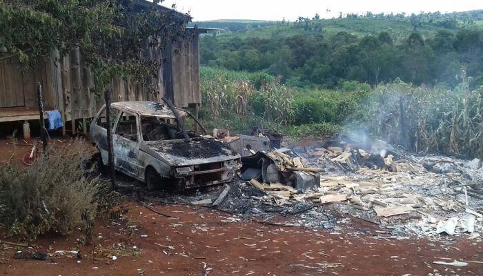 Rio Bonito - Polícia atende ocorrência de incêndio criminoso