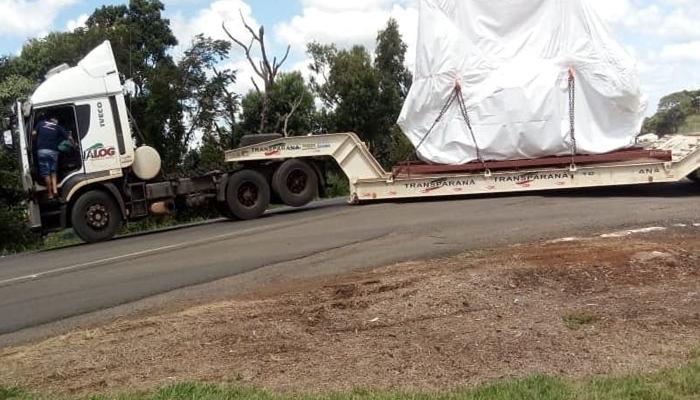 Guaraniaçu -  Carreta bloqueia rodovia no KM 500