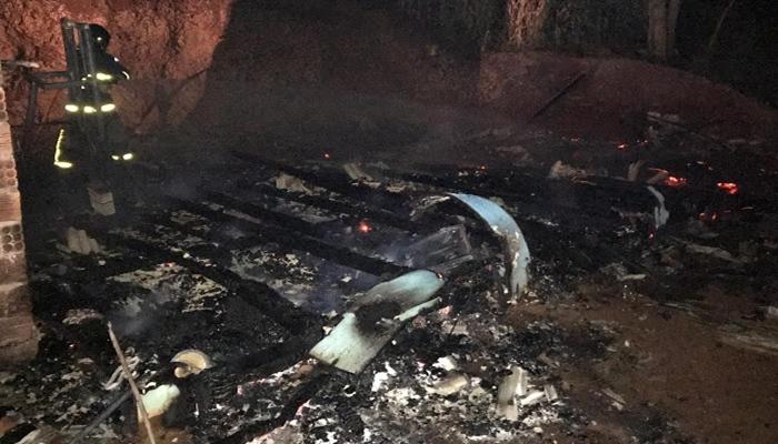 Laranjeiras - Residência é destruída por incêndio