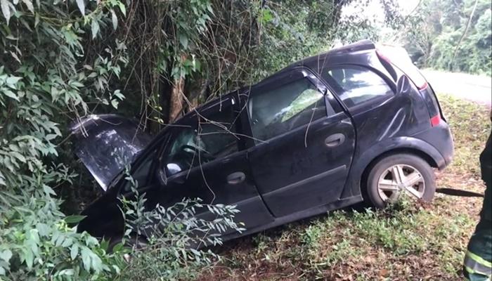 Catanduvas - Veículo de Paranaguá sofre acidente na BR 277