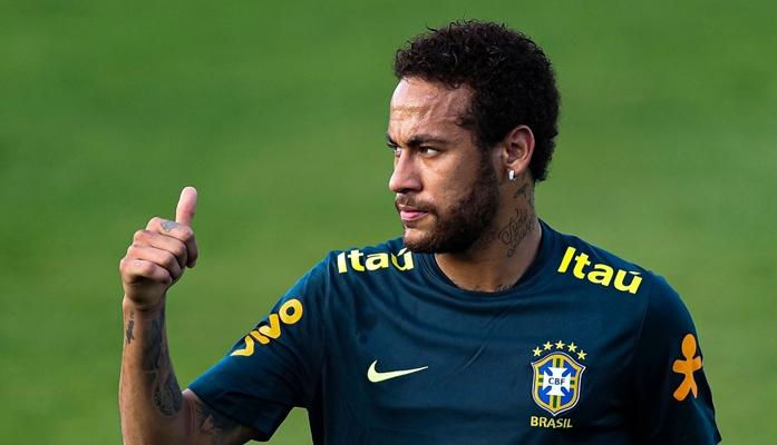 Mulher acusa Neymar de estupro