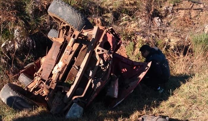 Pinhão - Acidente na PR 170 com caminhonete deixa duas pessoas feridas