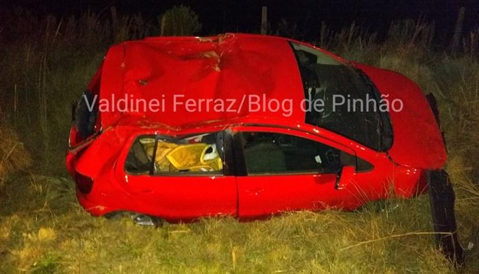 Pinhão - Duas pessoas ficam feridas em capotamento na Rodovia Bernardo Carli