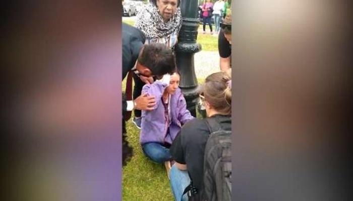 Professora fica ferida em protesto