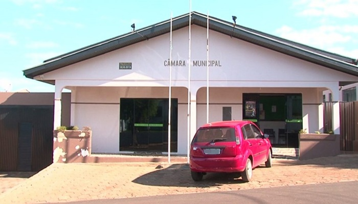 Cantagalo - MPPR bloqueia bens de ex-funcionários da Câmara