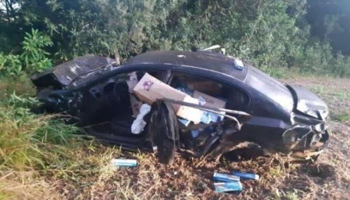Contrabandista capota carro a quase 200 km/h e é preso no Paraná