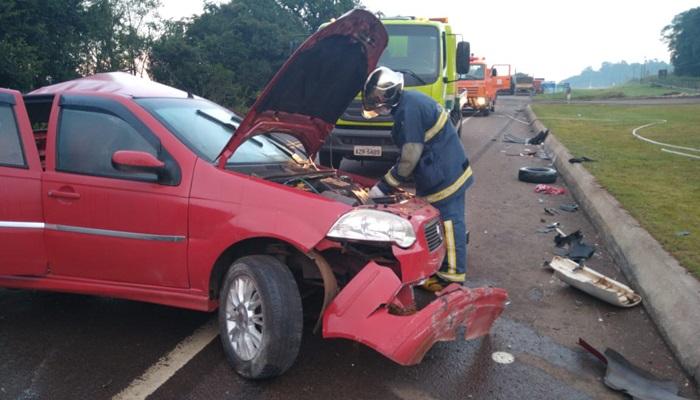 Guaraniaçu - Violenta colisão deixa duas jovens feridas na BR 277