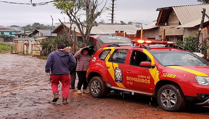 Laranjeiras - Corpo de Bombeiros de Laranjeiras do Sul registrou mais de 40 famílias afetadas pelo temporal